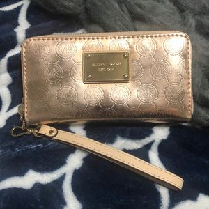 Michael Kors rose gold metallic wallet
